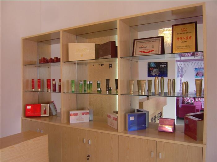怎样提高化妆品销售_如何做好品牌化妆品店市场销售_化妆品销售