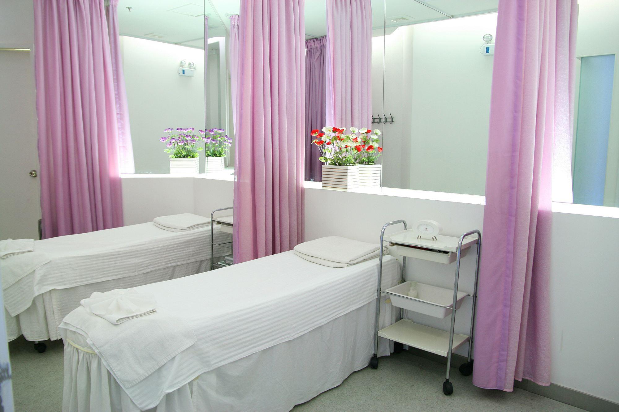 美容院常用的一些隔帘隔断效果图,实用又耐看图片